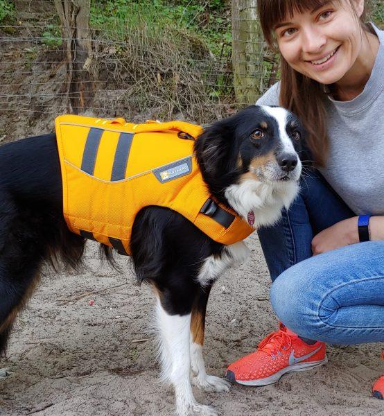 Heaven testet die Ruffwear Schwimmweste Hund